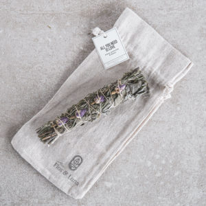 Baton de sauge et rose smudge stick amour
