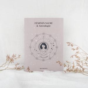 Carnet féminin sacré et astrologie womoon