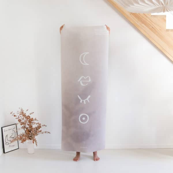 tapis de yoga et méditation womoon yogom