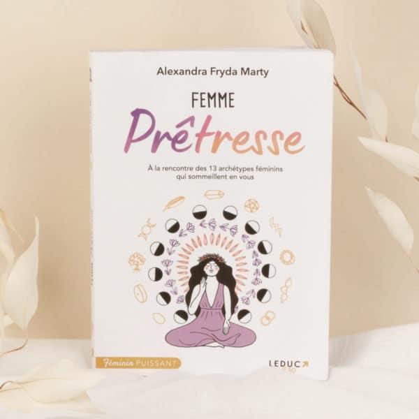 livre femme prêtresse
